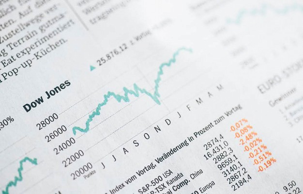 Our Financial Experts Tips on How to Manage your Finances During a Recession