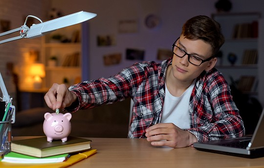 Tips for Saving as a Young Adult
