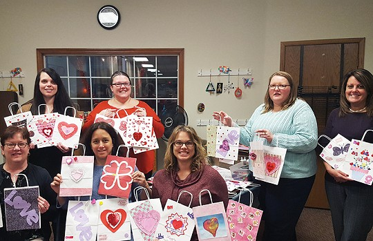 Waldo State Bank Team Volunteers With Project Angel Hugs